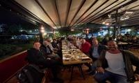 Στιγμές χαλάρωσης για τους Άνδρες της Ένωσης Ιλίου στο Enzzo Cook Bar!